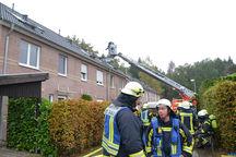 Brandbekämpfung über die Drehleiter. Foto: M. Bunk